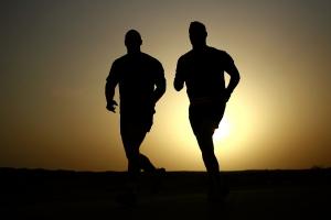 Ist Pilates zum Abnehmen daran gebunden, zusätzlichen Sport zu betreiben?